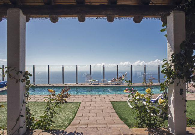 Apartment in La Matanza de Acentejo - 1 Bedroom , SEA VIEW, HEATED POOL, Heating, free Wifi, big terrace (1)