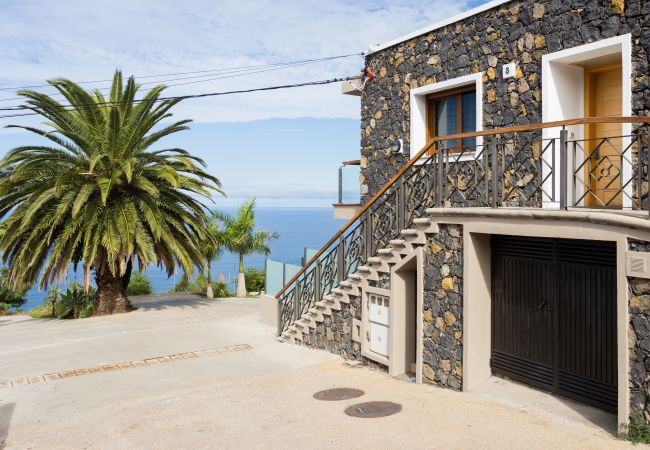 Apartment in La Matanza de Acentejo - 1 Bedroom, OCEAN AND TEIDE VIEW, HEATED POOL, Heating, balcony, free Wifi (3)
